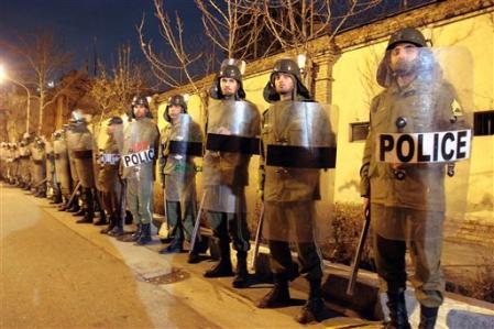 http://www.iran-resist.org/local/cache-vignettes/L449xH299/l1754242-689a2.jpg